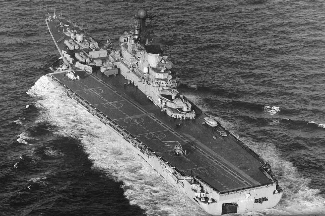 Почему продали авианесущий крейсер адмирал горшков