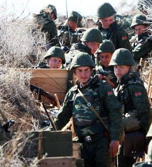 Die belarussische Armee rollt in die Steinzeit
