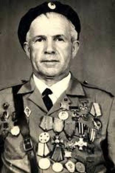 El partidario de Azerbaiyán Ahmed Michel Jebrailov, Héroe de Francia, Caballero de la Orden de la Legión de Honor