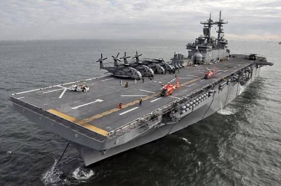 अमेरिकी नौसेना के उभयचर उभयचर समूह। एक झांसा या एक वास्तविक खतरा?