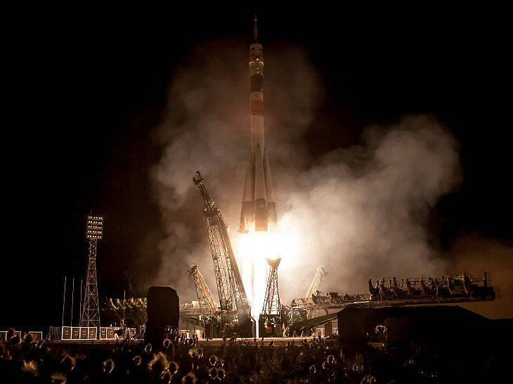 Soyuz TMA-09M spacecraft launch from Baikonur