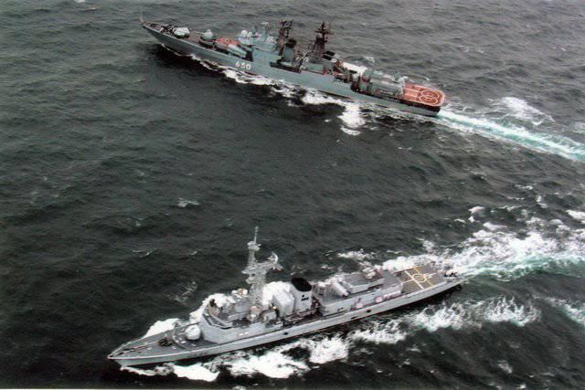 """प्रश्न पर मदद-रिपोर्ट """"फ्रांसीसी नौसेना के अधिकारियों द्वारा विख्यात रूसी नौसेना के जहाजों पर सेवा और रहने की स्थिति के संगठन की कुछ विशेषताएं"""""""