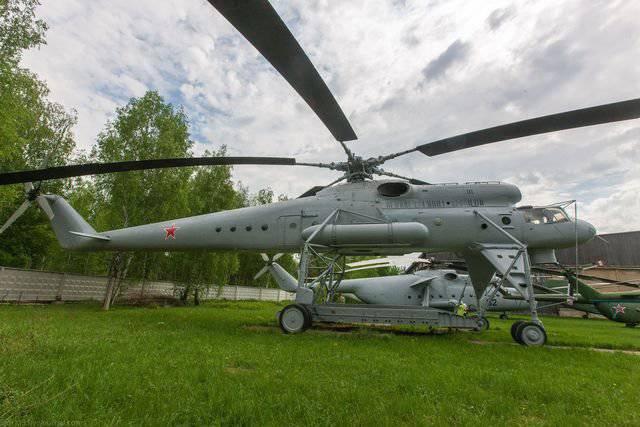 Elicottero gru Mi-10