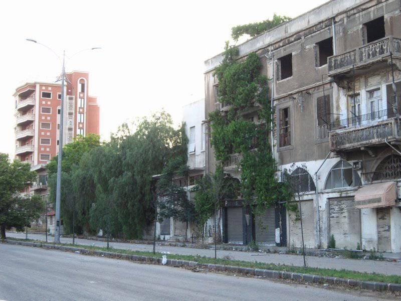 """Homs: """"In una tempesta di vita in rovina"""""""