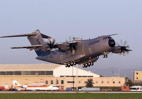 エアバスミリタリは、2番目の量産機A-400Mの飛行試験を開始しました