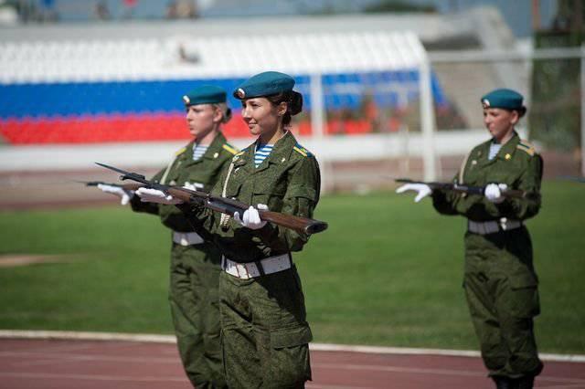 Ryazan está preparando el primer número de mujeres oficiales.