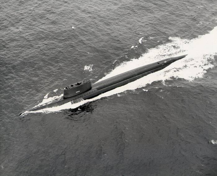 Boote umrunden die Erde