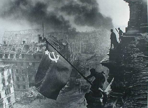 大勝利のお祝い。 第一次世界大戦の歴史を書き換える - 私たちに対する武器