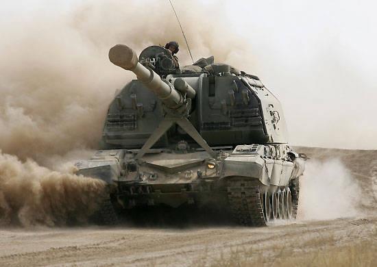 南部军区的自行火炮手获得了最新式的自行火炮改装-2S19M2 Msta-S