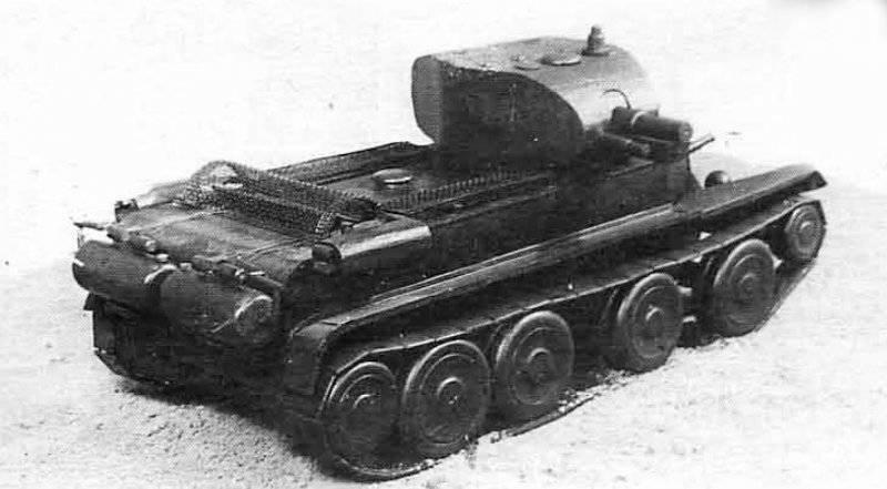 На базе т-26 созданы артсистемы сопровождения: малый триплекс сау с возможностью монтажа орудий 76 мм, 120 мм и 150 мм