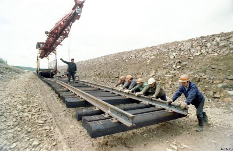 По туркменским рельсам побегут поезда в Таджикистан