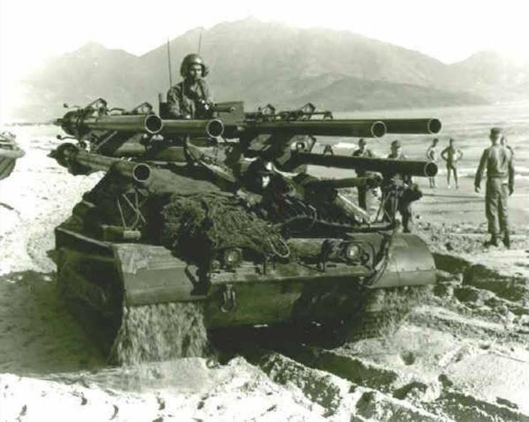Ontos - Bâti d'artillerie automotrice antichars à barils multiples 106 - M50