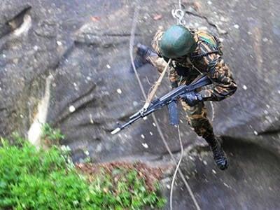 Entraînement tactique spécial d'officiers du renseignement du district militaire du sud