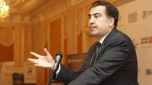 """그루지야 스캔들 : 사 카슈 빌리 (Saakashvili)는 미국이 """"피의 수술을 조직한다""""고 비난했다."""