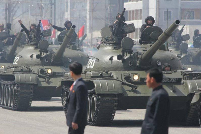 平壤军事游行