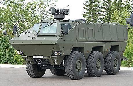 OJSC Kamaz demonstrou a primeira variante em execução de um promissor veículo de transporte blindado