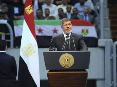 Mursi forderte den Sturz von Assad. Aber sie haben ihn gestürzt ...