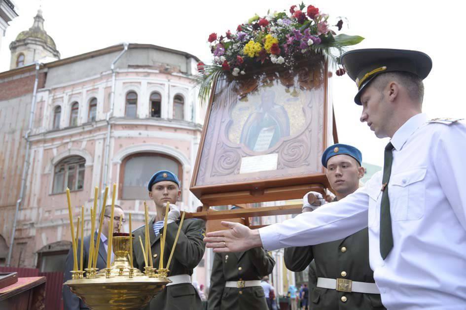 http://topwar.ru/uploads/posts/2013-08/1375462645_10.jpg