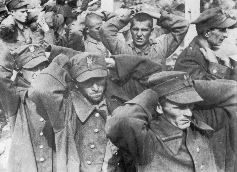 Soldiers of the Polish garrison Westerplatte in German captivity.