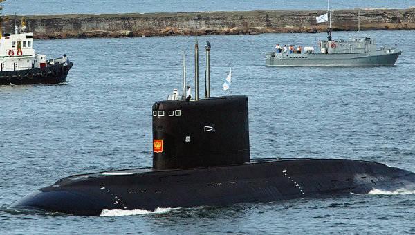 Dois submarinos da classe Varshavyanka serão lançados este ano