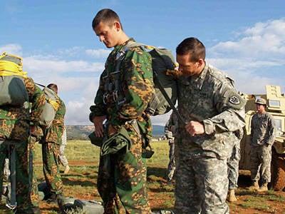 İkinci ortak Rus-Amerikan terörle mücadele karşıtı paraşütçüler doktrini Pskov'da yapılacak