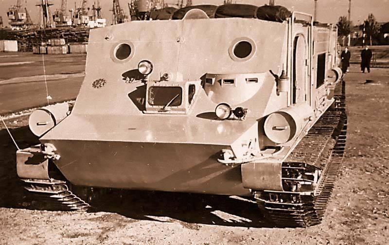「ペンギン」は手の届かない極に達した。 BTR-50Pをベースにしたユニークなポーラーオールテレーン車