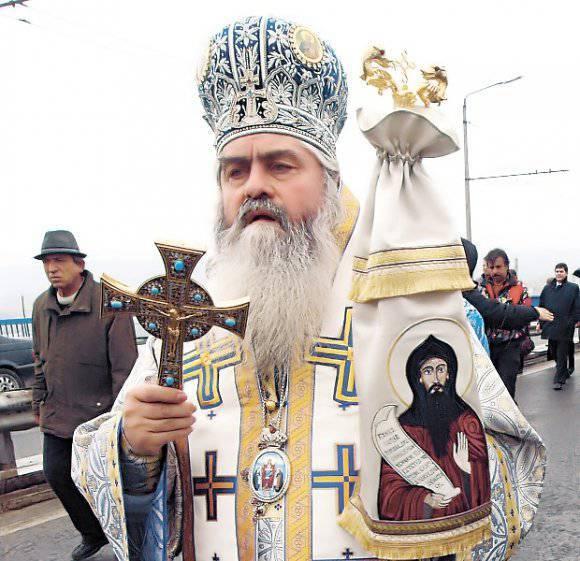 カソックとカソックのエージェント秘密のサービスとしてメトロポリタンキリルとバチカン、司祭ラザロを救わなかった
