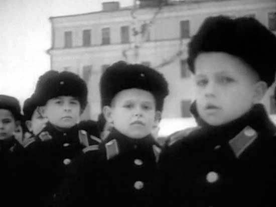 スボーロフとナヒモフの学校は時代を超越した時代を乗り越える