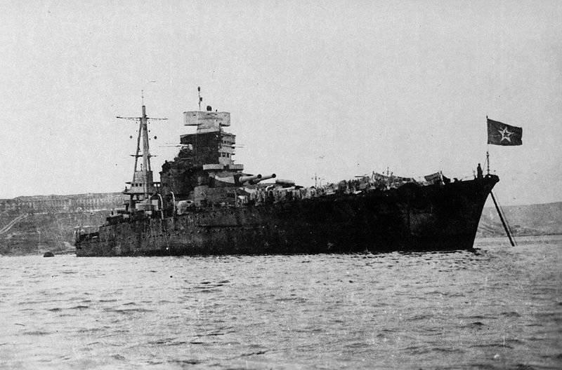 1955 में युद्धपोत नोवोरोसिस्क को इतालवी नौसेना के लड़ाकू तैराकों द्वारा उड़ा दिया गया था?