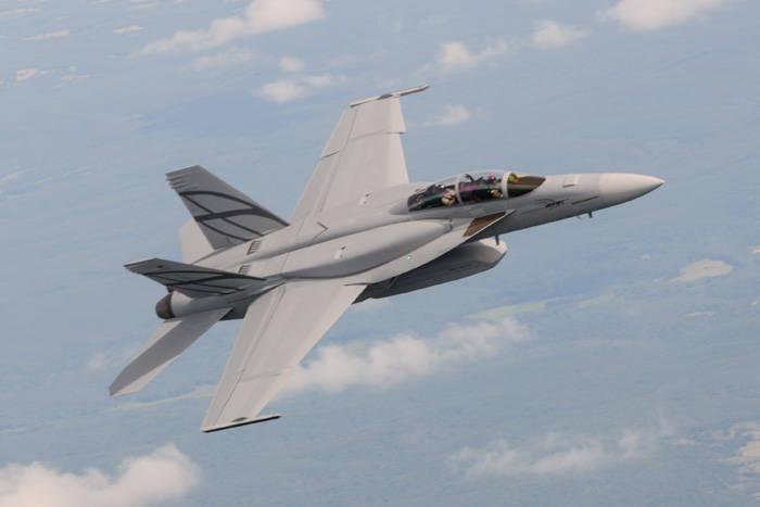 Gelişmiş Süper Hornet gizli performans ve savaş yarıçapında önemli bir artış gösterdi