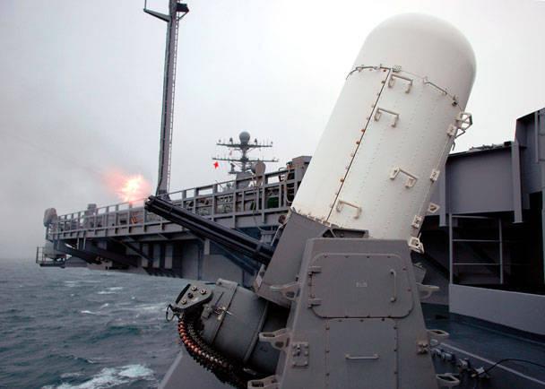 米海軍は船の防衛を強化する