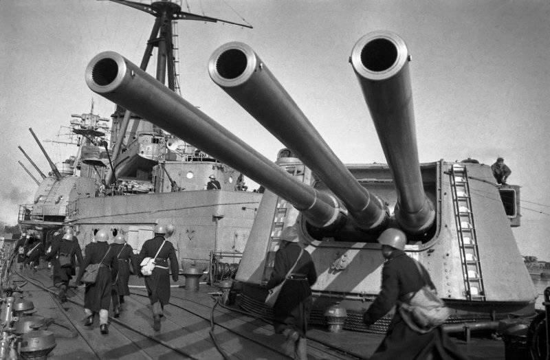 Почему современные корабли так слабы?