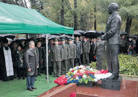 Monument to the first defense minister. Monument opened at the Novodevichy cemetery