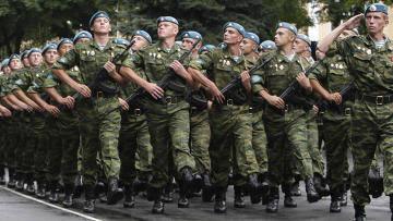 러시아 군부, 수쿰 중심으로 행진