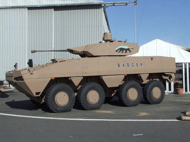 남아프리카는 오소리 기갑 된 보병 운반 대를 받게 될 것입니다.