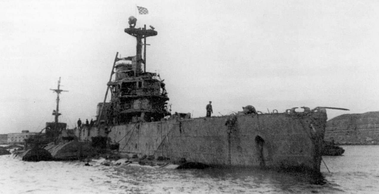 Ремонтировали дорогу - нашли башню от крейсера