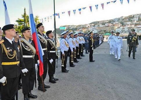 Navarino Savaşı'nın 186 yıldönümüne adanmış kutlamalar Yunanistan'ın Pylos limanında gerçekleşti