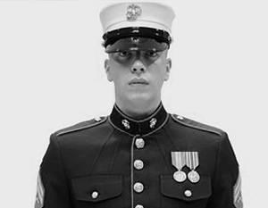 """美国海军陆战队对奥巴马的""""女性""""帽子感到愤怒"""