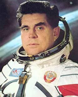 Kamikaze do espaço. 45 anos atrás, pela primeira vez, a espaçonave Soyuz foi pilotada com sucesso com um homem a bordo