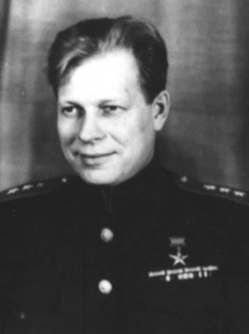 Es hielt die Verteidigung. Oktober 30 - 105 seit der Geburt von Marshal DF Ustinov