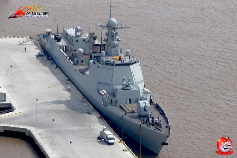 Китайский эсминец пр.052D