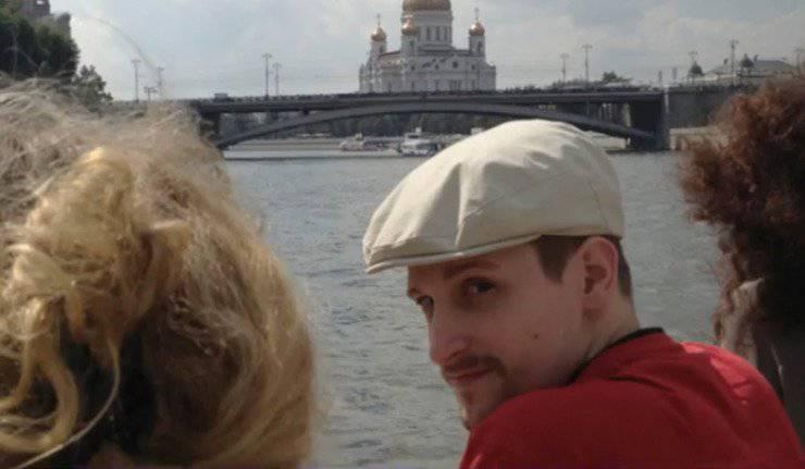Jeopolitik mozaik: Putin gezegendeki en güçlü adam ilan edildi ve İnternette Muscovite Snowden belirtileri belirdi: şapka, sakal, bıyık