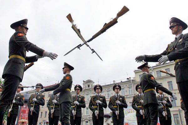 La loi - dans le fusil! La police a réglementé la vente d'armes