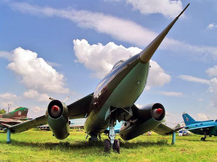 Museo Nacional de la Aviación de Ucrania (Juliani)