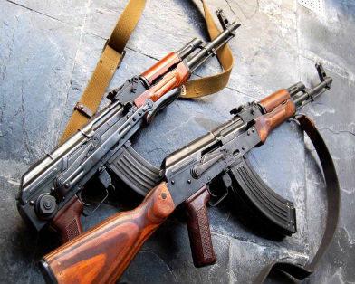 """Из украинской армии массово """"уплывает"""" боевое оружие"""