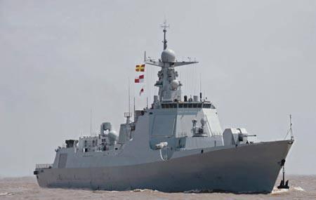 Le quatrième destroyer de type 052D lancé en Chine