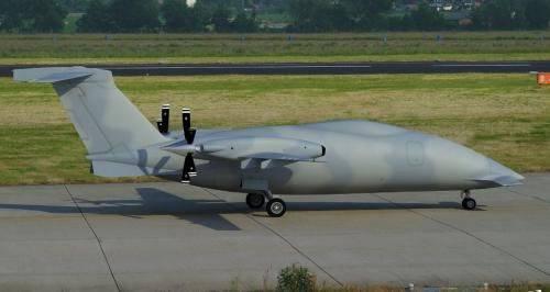 O primeiro voo do UAV italiano P.1HH HammerHead