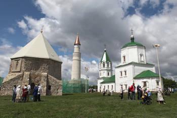 Tataristan'daki kundaklama kiliseleri saldırıları tanıdı