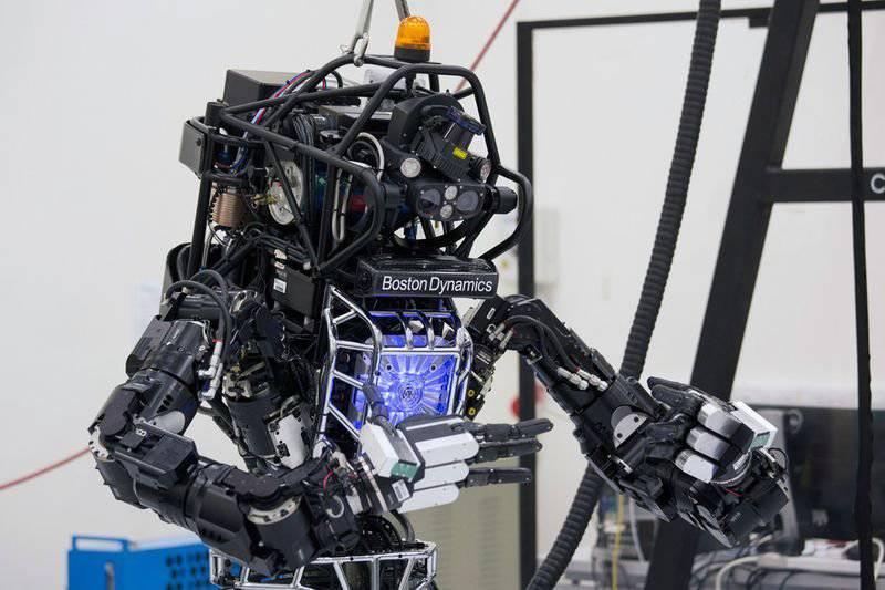 """途中的终结者:在美国开始测试人形机器人""""阿特拉斯"""""""