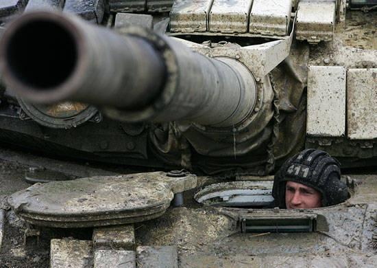In Abchasien begann die Ausübung motorisierter Gewehreinheiten der russischen Militärbasis